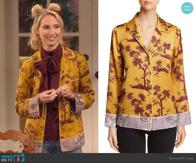 Scotch & Soda Printed Pajama-Style Top worn by Molly McCook on Last Man Standing