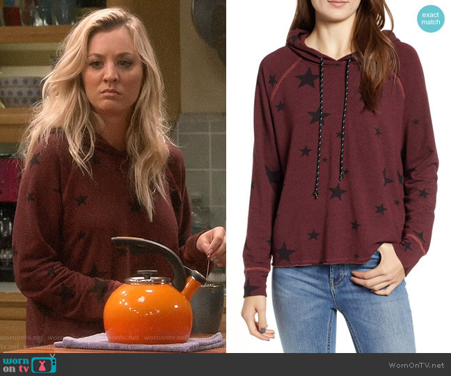 Sundry Star Print Crop Hoodie worn by Kaley Cuoco on The Big Bang Theory