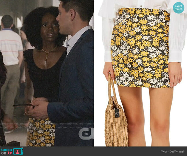 Topshop Daisy Jacquard Miniskirt worn by Josie McCoy (Ashleigh Murray) on Riverdale