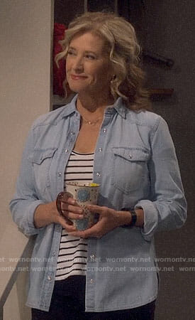 Vanessa's blue western shirt on Last Man Standing