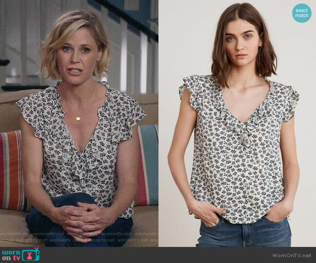 Velvet by Graham & Spencer Tirion Top worn by Claire Dunphy (Julie Bowen) on Modern Family