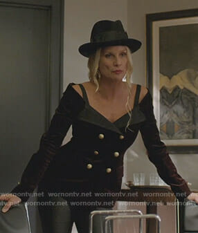Alexis's brown off-shoulder blazer on Dynasty