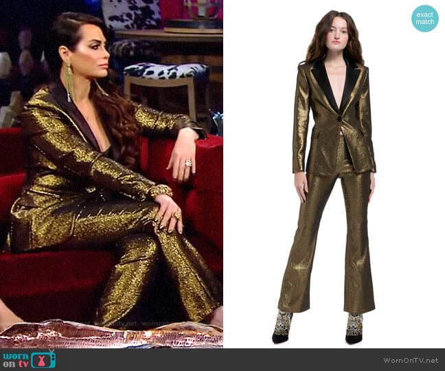 Robert Blazer and Kylyn Pants by Alice + Olivia worn by D'Andra Simmons  on The Real Housewives of Dallas