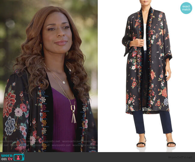Velvet-Trim Floral Kimono by Johnny Was worn by Poppy (Kimrie Lewis) on Single Parents