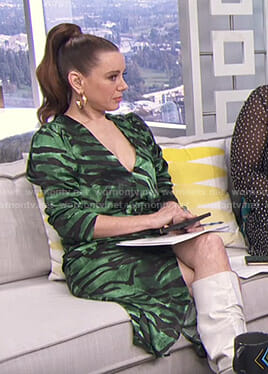 Melanie's green zebra print dress on E! News Daily Pop