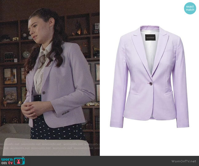 Banana Republic Classic-Fit Washable Italian Wool-Blend Blazer worn by Nicole Maines on Supergirl