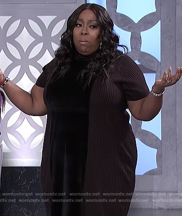 Loni's black velvet front dress on The Real