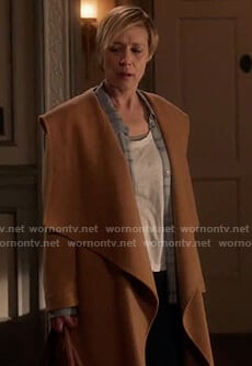 Bonnie's beige wrap hooded coat on How to Get Away with Murder