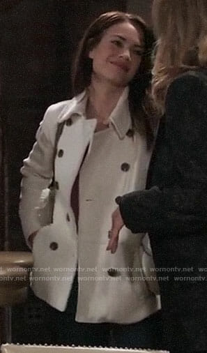 Elizabeth's white peacoat on General Hospital