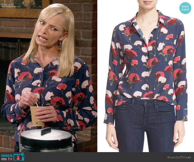 Equipment Slim Signature Floral Blouse in Peacoat worn by Jill Kendall (Jaime Pressly) on Mom