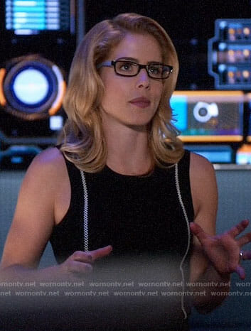 Felicity's black top with white stitching on Arrow