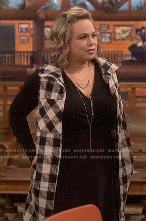 Kristin's checked vest on Last Man Standing