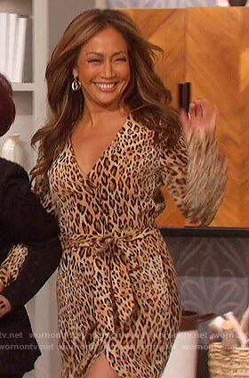 Carrie's leopard print tie waist dress on The Talk