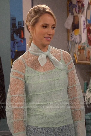 Mandy's mint green lace top on Last Man Standing