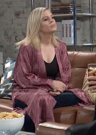 Maxie's pink robe on General Hospital