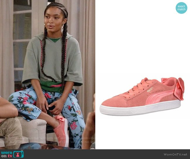 Puma Shell Pink Suede Bow Sneakers worn by Zoey Johnson (Yara Shahidi) on Blackish