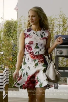Veronica's white floral top and skirt on Dirty John