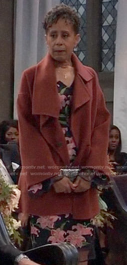 Stella's red coat on General Hospital