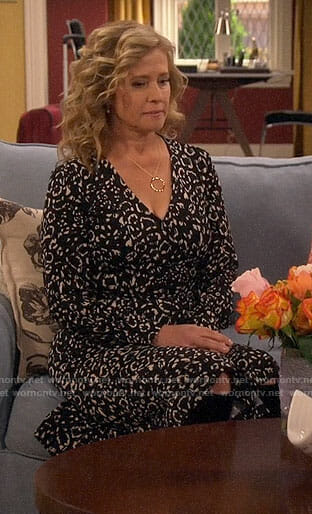 Vanessa's black leopard print wrap dress on Last Man Standing