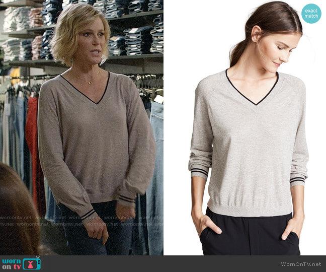 Velvet Zanna Sweater worn by Claire Dunphy (Julie Bowen) on Modern Family