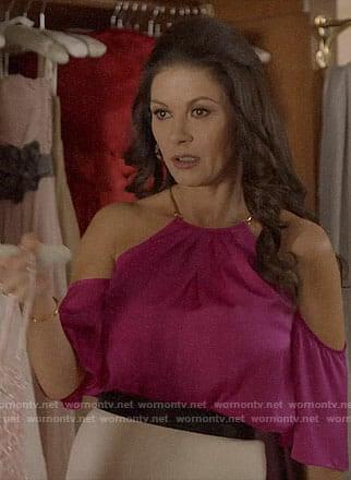 Vicki's pink cold-shoulder top on Queen America