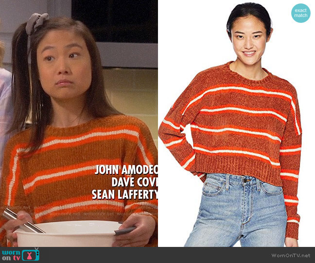 Volcom The Favorite Sweater worn by Jen (Krista Marie Yu) on Last Man Standing