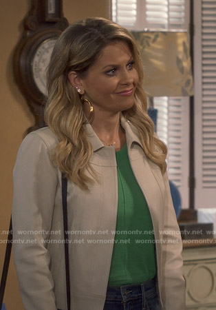 DJ's beige suede open jacket on Fuller House