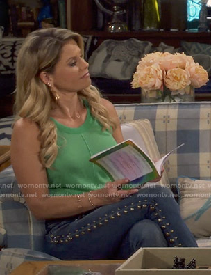 DJ's green sleeveless knit top on Fuller House