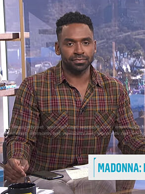 Justin's plaid shirt on E! News Daily Pop