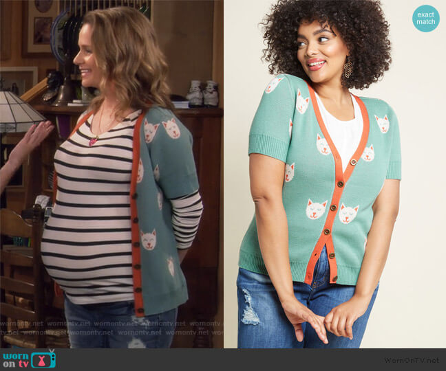 Casually Cozy Short Sleeve Cardigan by ModCloth worn by Kimmy Gibbler (Andrea Barber) on Fuller House