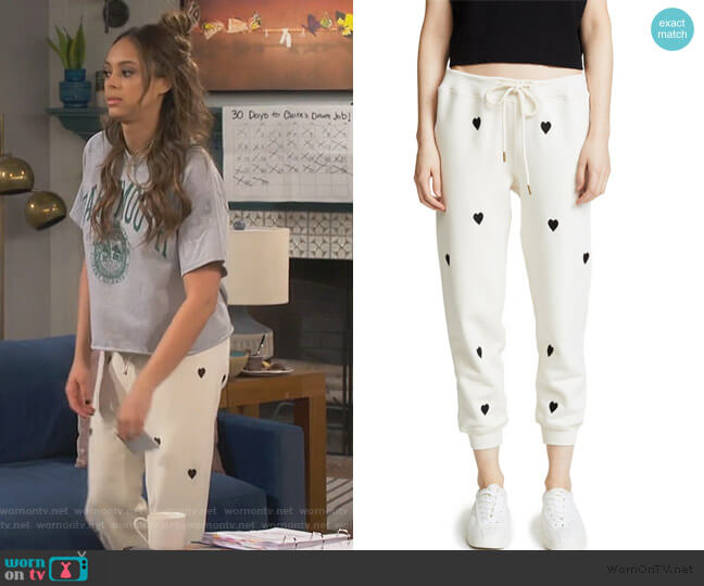 The Cropped Sweatpants by The Great worn by Claire (Amber Stevens West) on Happy Together