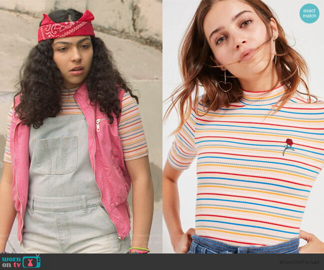 Zola Striped Mock-Neck Top by Urban Outfitters worn by Molly Hernandez (Allegra Acosta) on Marvels Runaways