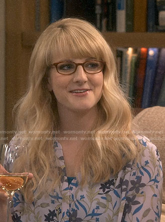 Bernadette's grey floral blouse on The Big Bang Theory