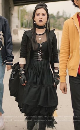 Nico's black ring embellished corset belt on Marvel's Runaways