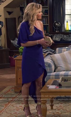DJ's blue one off shoulder asymmetric dress on Fuller House