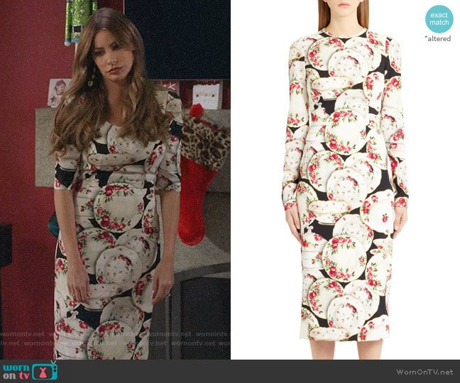 Plate Print Sheath Dress by Dolce & Gabbana worn by  Gloria Pritchett (Sofia Vergara) on Modern Family