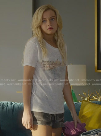 Terra's grey graphic tee on Dirty John