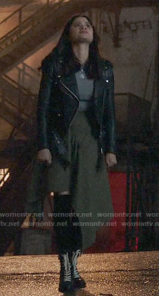 Mel's green asymmetric skirt and leather jacket on Charmed