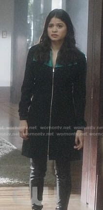 Mel's zip front dress on Charmed