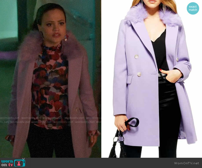 Topshop Naomi Faux Fur Collar Coat worn by Maggie Vera (Sarah Jeffery) on Charmed