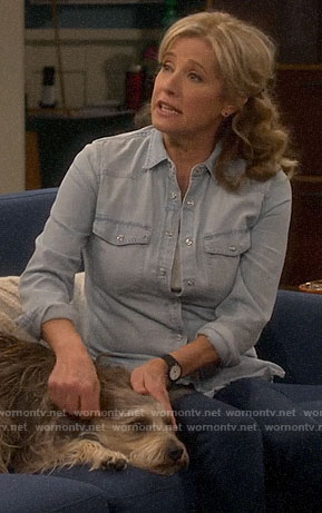 Vanessa's chambray shirt and chelsea boots on Last Man Standing