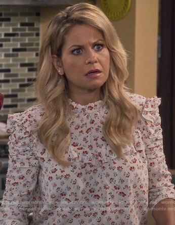 DJ's white floral ruched sleeve blouse on Fuller House