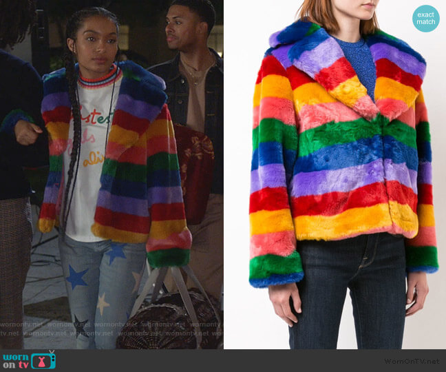 Thora faux fur jacket by Alice + Olivia worn by Zoey Johnson (Yara Shahidi) on Grown-ish