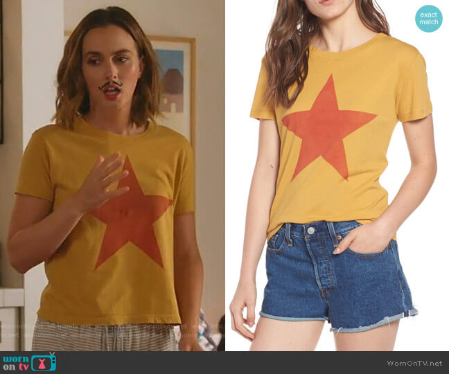 Star Graphic Tee by Day by Daydreamer worn by Angie (Leighton Meester) on Single Parents