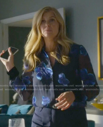 Debra's blue floral blouse on Dirty John