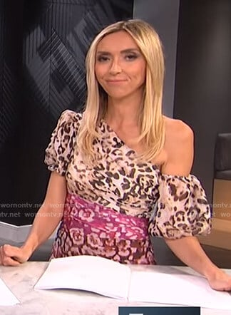 Giuliana's leopard one off-shoulder dress on E! News