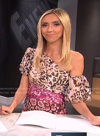 Giuliana's leopard one off-shoulder dress on E! News