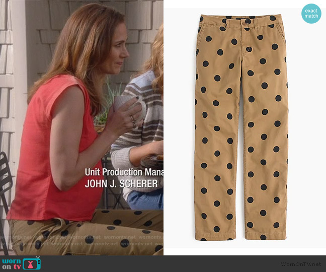 Petite boyfriend chino pant in polka dot by J. Crew worn by Diane Farr on Splitting Up Together