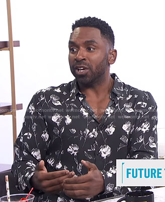 Justin's black rose print shirt on E! News Daily Pop