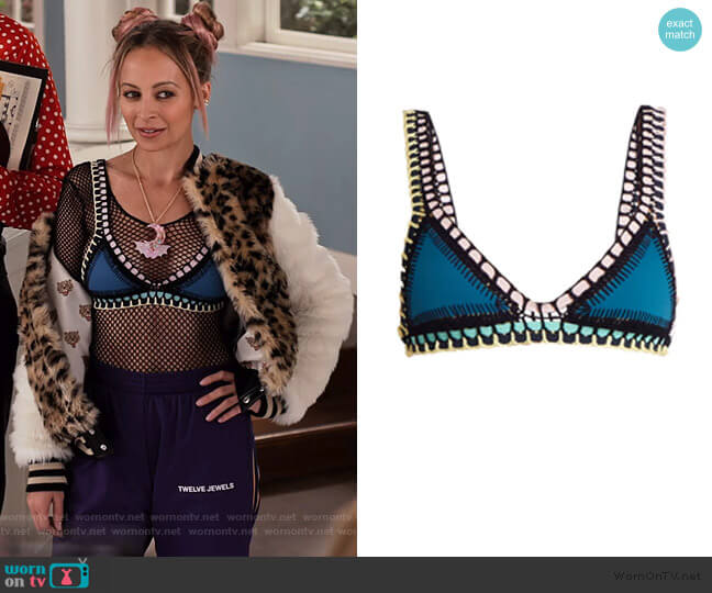 Flor crochet-trimmed triangle bikini by Kiini worn by Nicole Richie on Grace and Frankie